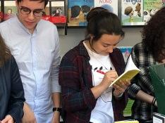 Firma del libro colectivo Cuentos y Bestias Feria del Libro de Madrid 2018